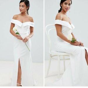 Jarlo fishtail white wedding gown